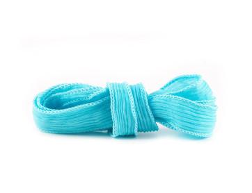 Seidenband Crinkle Crêpe Türkis handgenäht handgefärbt