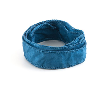 Handgefertigtes Habotai-Seidenband Nachtblau handgenäht handgefärbt